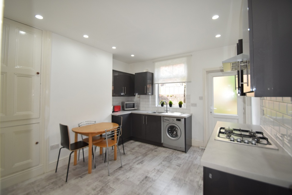 30 Harefield Road - Ecclesall Road - 4 Bed