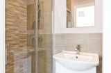 Lynthorpe House - Sheffield Student Apartment - En-Suite Shower Room