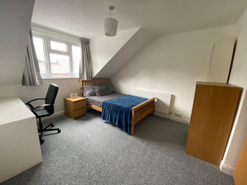 Cowlishaw Road - Sheffield Student Property - Ground Floor Bedroom