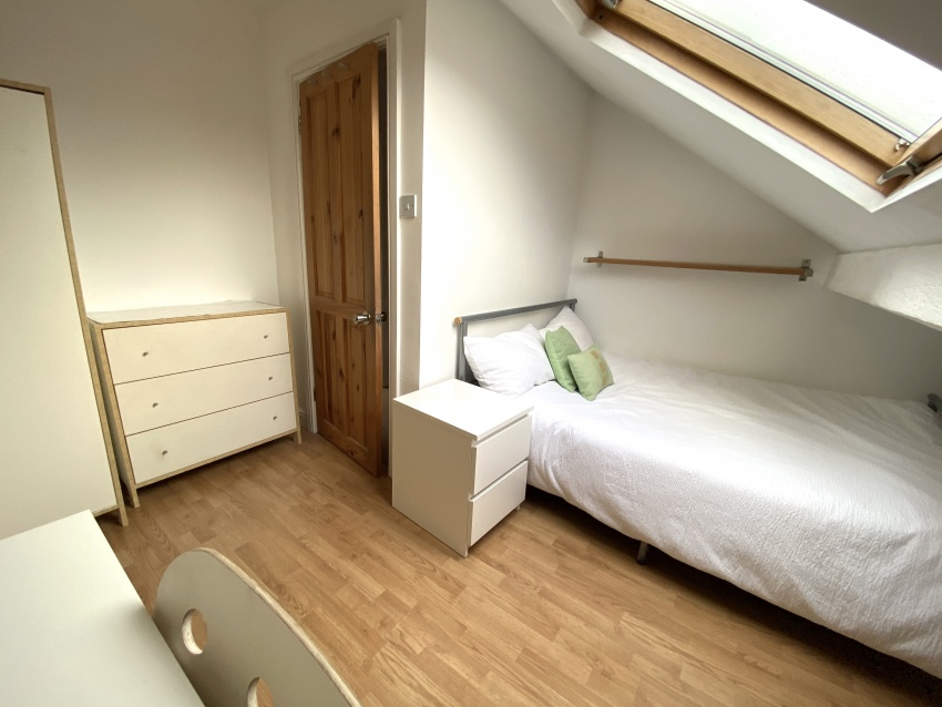 Neill Road - Sheffield Student Property - Bedroom