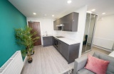 Deluxe Studio Apartment, Sellers Wheel 108 Arundel Lane - City Centre