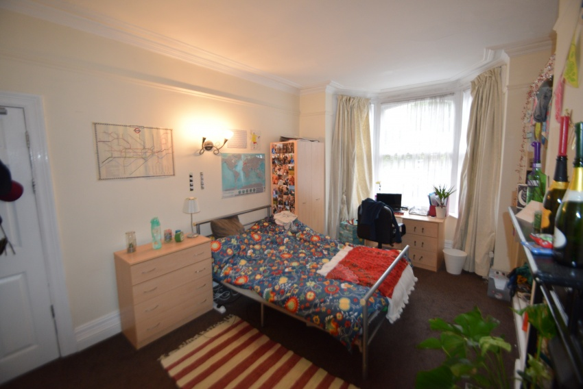 Thomspon Road, Sheffield Student Housing - Bedroom