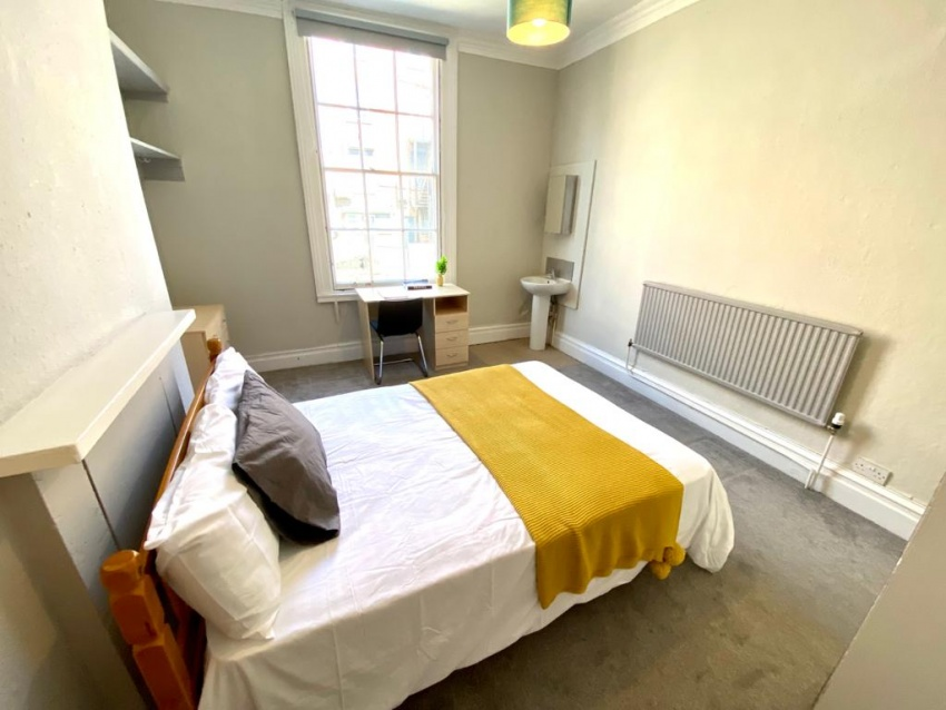 Ashgate Road - Sheffield Student House - Bedroom