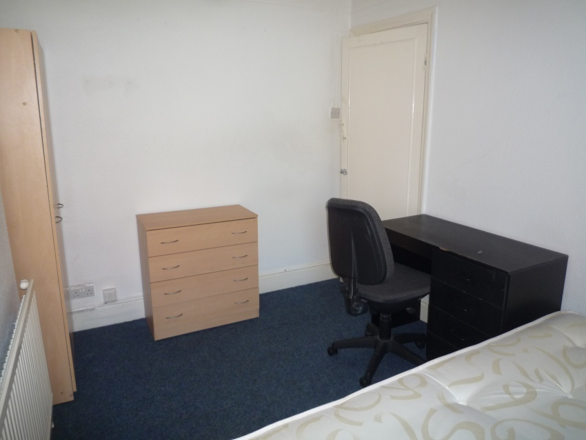Clough Road, Sheffield Student Property - Bedroom