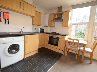 Ecclesall Road - Sheffield Student Apartment - Kitchen