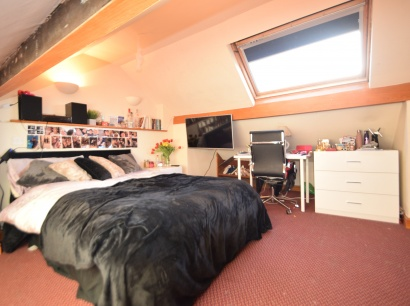 Eastwood Road, Sheffield Student Accommodation - Attic Bedroom