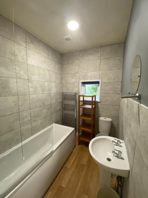 Dover Road, Sheffield Student Property - Shower Room