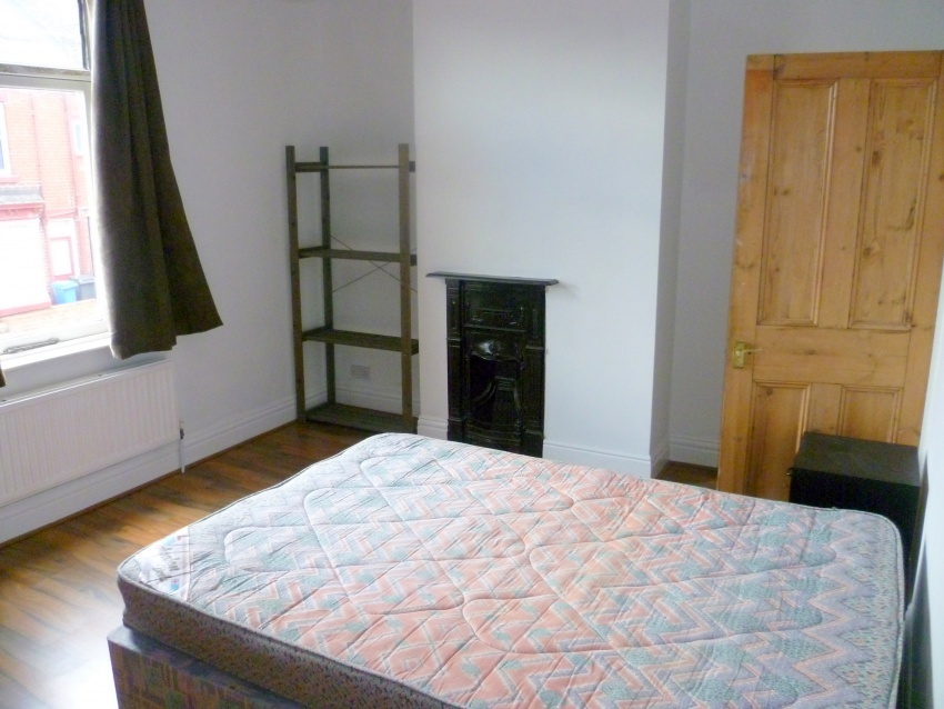 52 Fulmer Road, Sheffield Student House - Bedroom