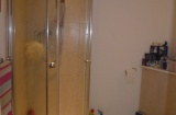 Ecclesall Road - Sheffield Student Flat - Shower Room