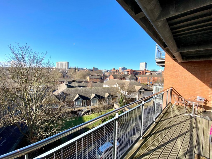 West One Aspect, Sheffield Student Housing - Balcony