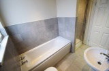 Cemetery Road - Sheffield Student Accommodation - Bath & Shower Room