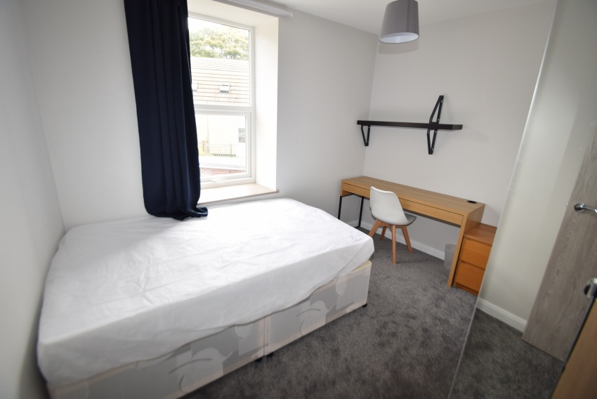 Cobden View Road, Sheffield Student Property - Bedroom