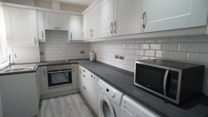 Wayland Road, Sheffield Student House-Kitchen