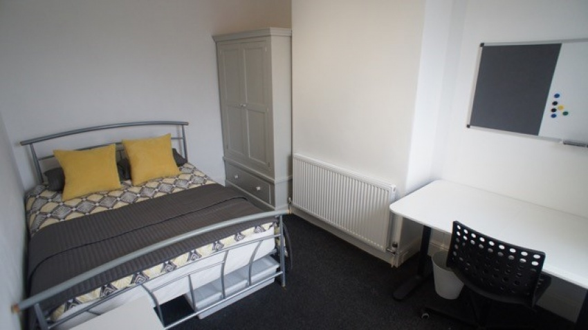 Wayland Road, Sheffield Student House- Bedroom