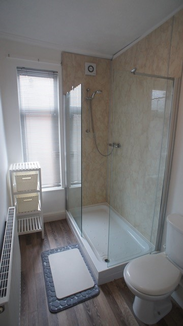 Wayland Road, Sheffield Student House- Shower Room