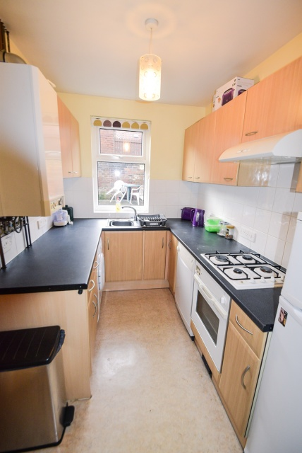 Vincent Road, Sheffield Student Housing - Kitchen