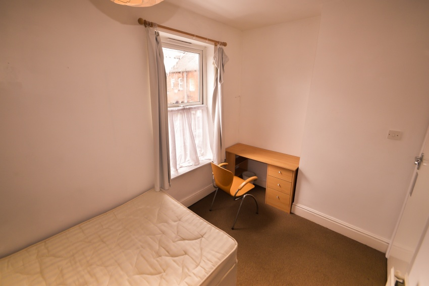Bruce Road, Sheffield Student Property - Bedroom