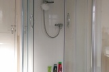 Broomspring Lane, Sheffield Student Housing - Shower Room