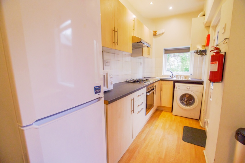 3 bed property to let s10 1ep dove properties. Black Bedroom Furniture Sets. Home Design Ideas