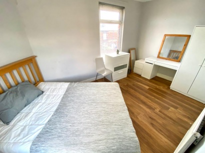Sheffield Student Apartment - Bedroom