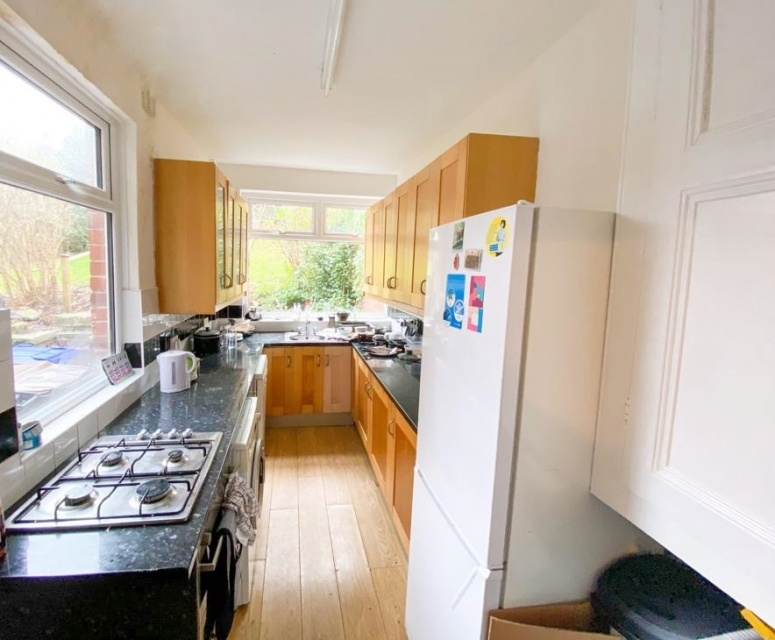 Springvale Road - Sheffield Student House - Kitchen
