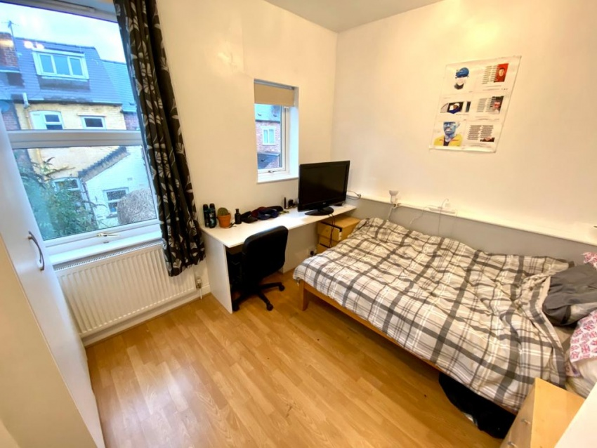 Eastwood Road, Sheffield Student Property - Bedroom