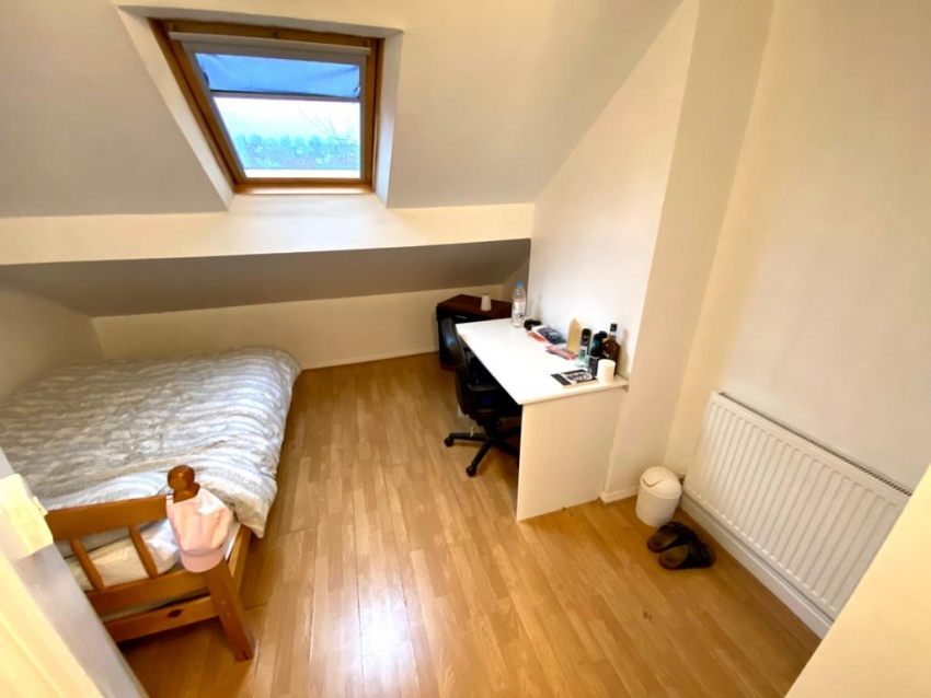 Eastwood Road, Sheffield Student Property - Attic Bedroom