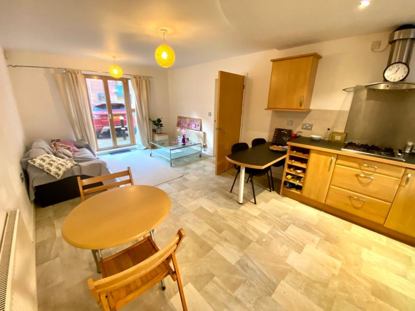 Leadmill Court, Sheffield Student Property - Kitchen/Living Area