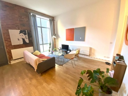 Flat 2, Universe Works, 97b Mary Street, City Centre