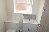 Ecclesall Road - Sheffield Student Flat - WC Room (shared)