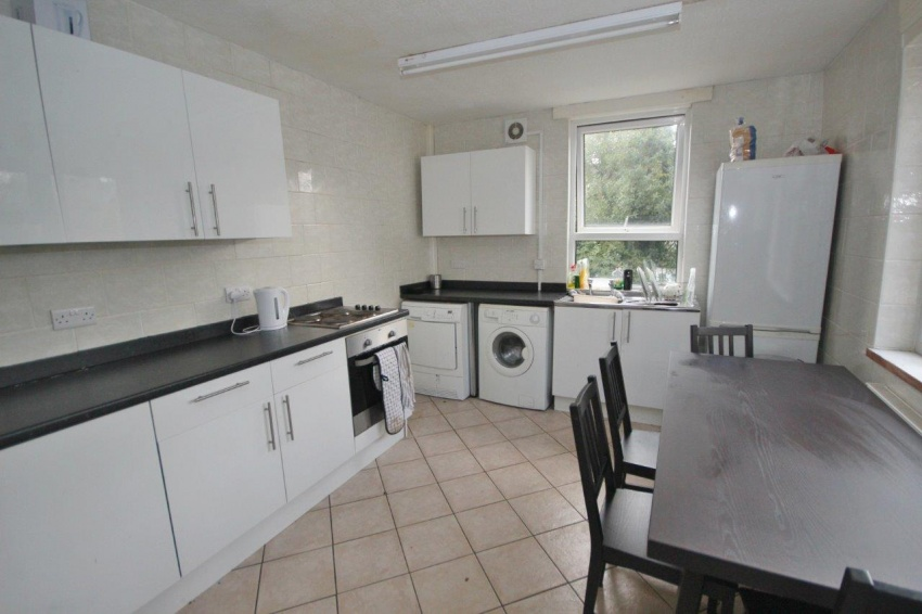 Endcliffe Terrace Road - Sheffield Student House - Kitchen
