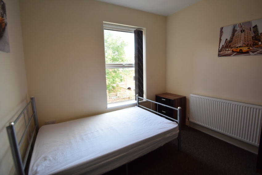 Guest Road, Sheffield Student Housing - Bedroom