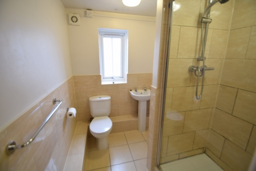 Broomhall Street, Sheffield Student Property - Shower Room