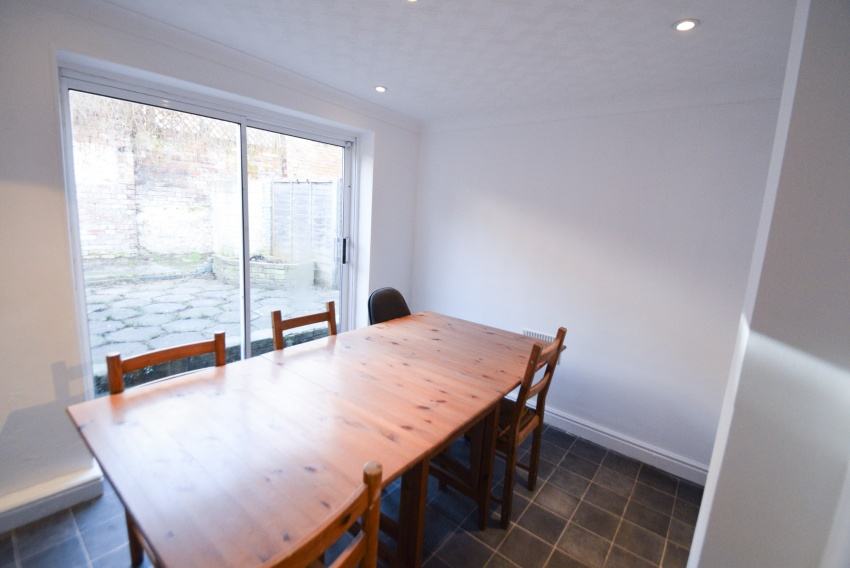 Ecclesall Road - Sheffield Student House - Dining Room